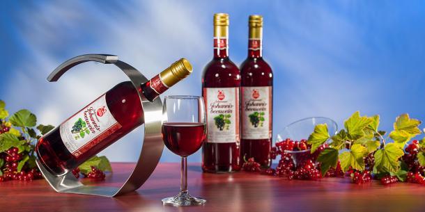 Schwarzer Johannisbeer Wein
